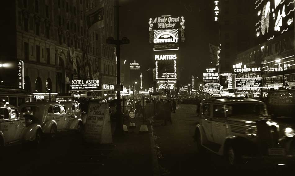 5-times-square-new-years-e
