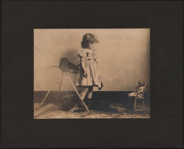 Dorothy Tucker photographs her Dolly