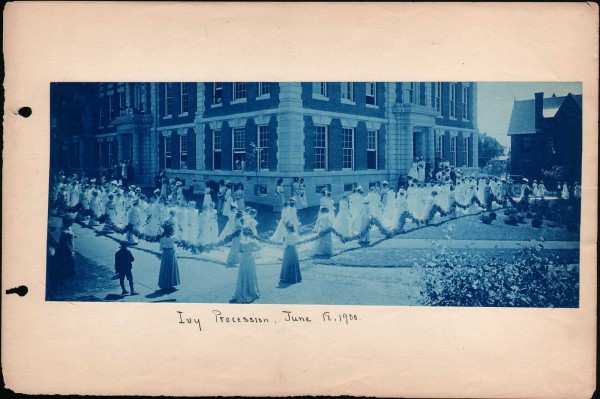Ivy Procession, June 18, 1900